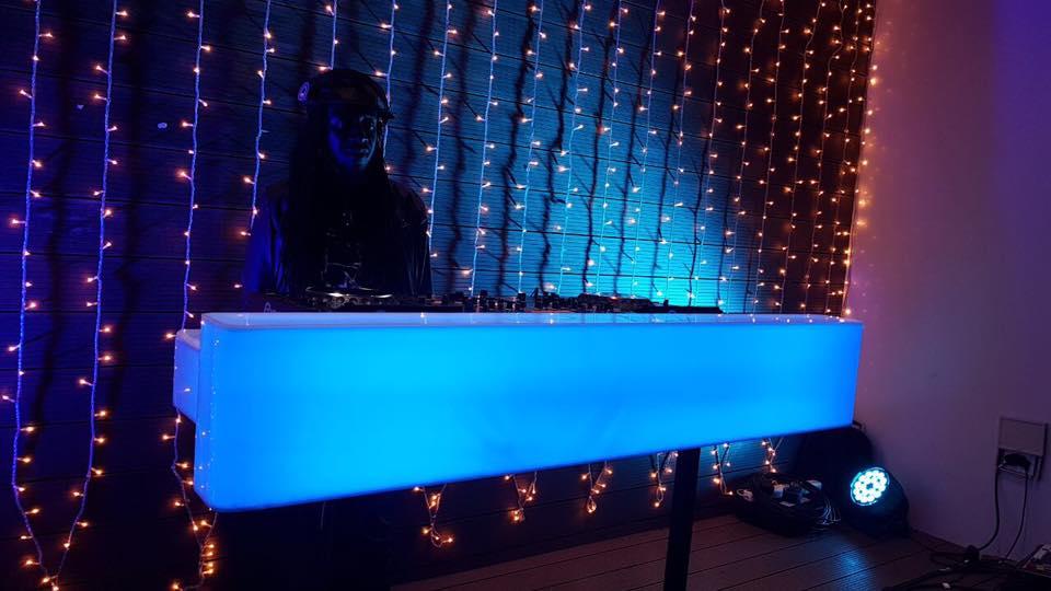 DJ Lightshelf 1